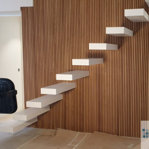 Escaleras en Krion Snow White